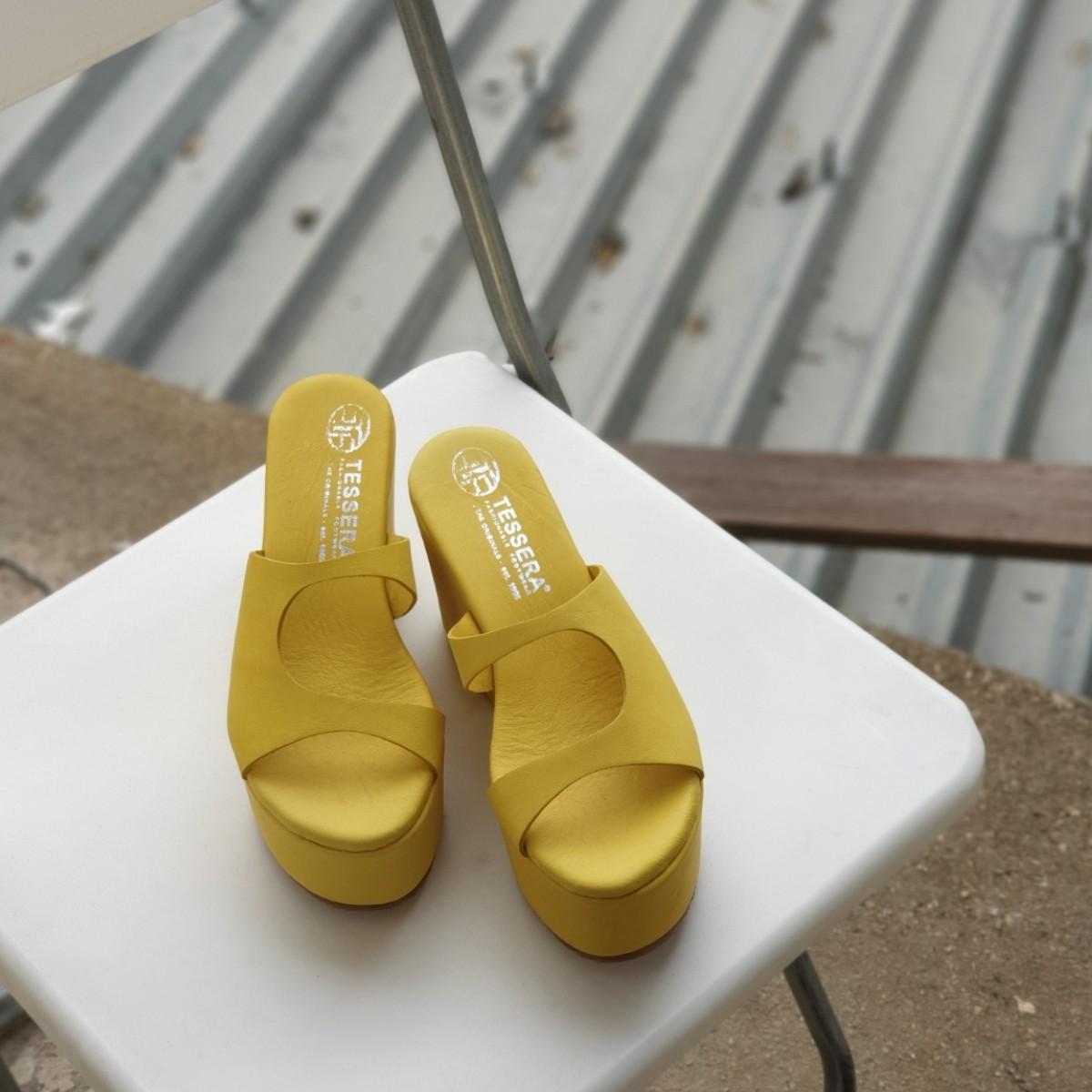 Κίτρινες γυναικείες δερμάτινες πλατφόρμες Tessera®